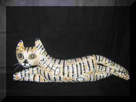 «Котик отдыхает» подушка-валик, холст, роспись.